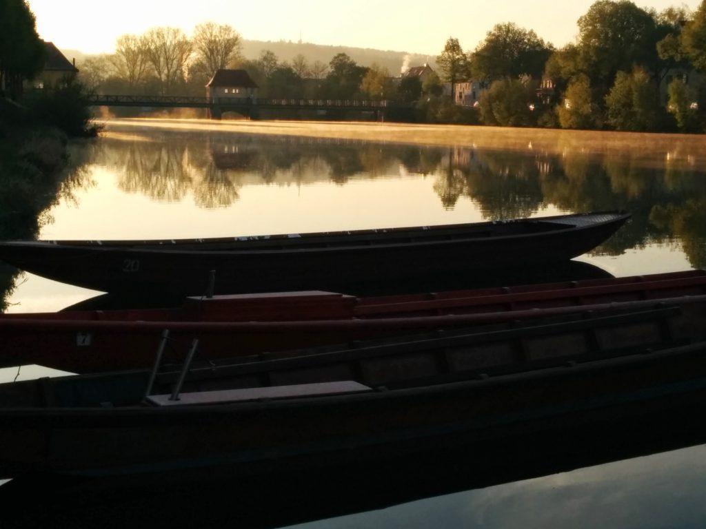Kähne auf dem Neckar